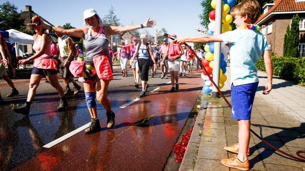 De Nijmeegse Vierdaagse: lopen in de hitte
